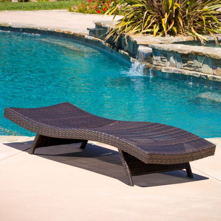 Lakeport Adjustable Chaise Lounge Chair