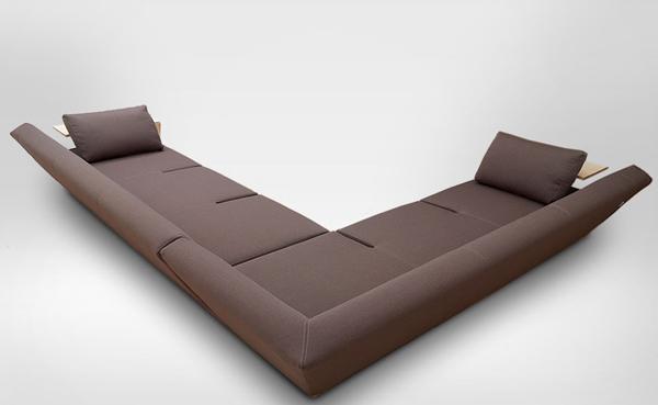 Elegant Extended Sofa Hocky