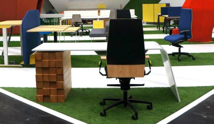 Sophisticated Office Desk Katedra by Desnahemisfera