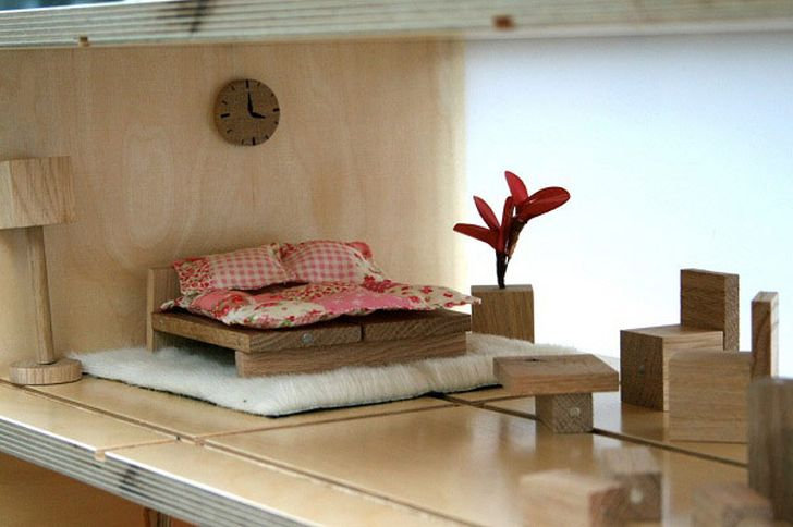 Coffee Table and Dollhouse into One Package