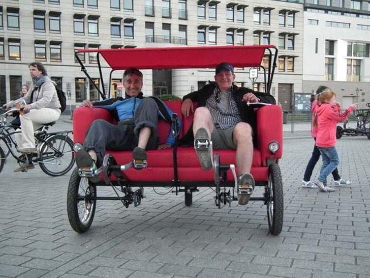 Hybrid Sofa Bike by Jacek Holubowicz Gives Extra Pleasure