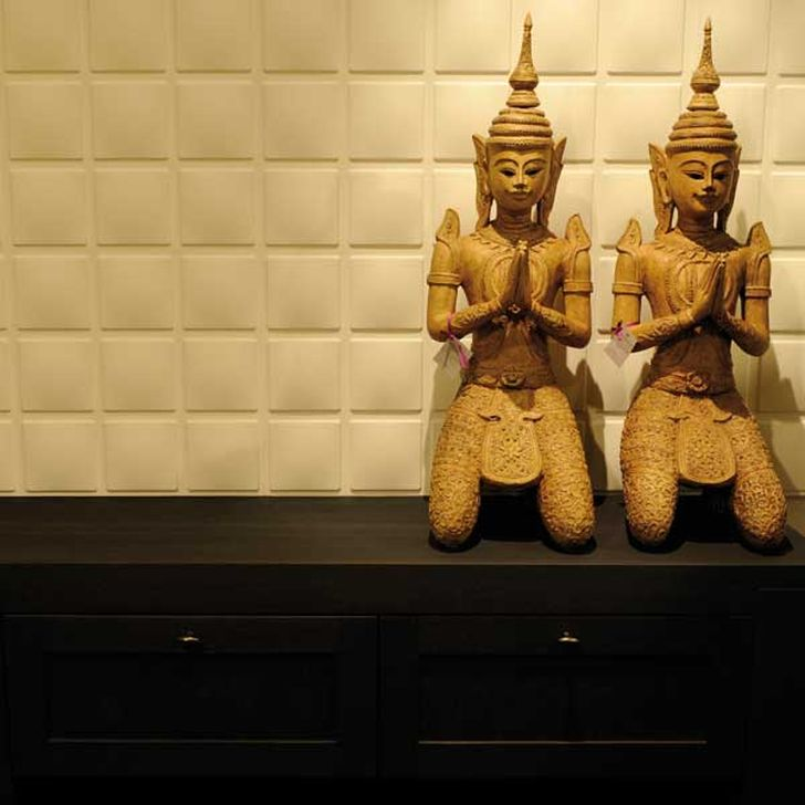 3d Decorative Wall Panels 3d Squares Wall Panels with Dark Wooden Cabinet and Decorative Statue