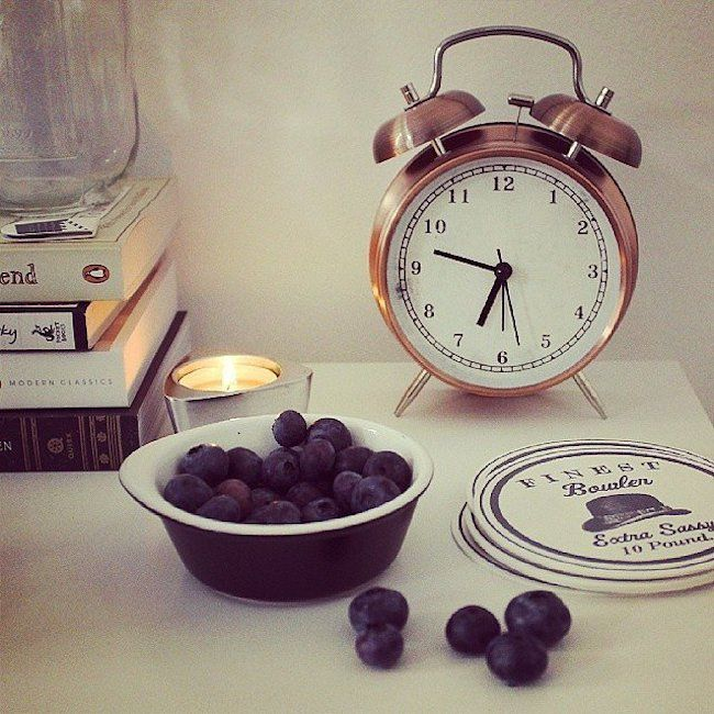 bedside-nightstands-decoration-ideas-Bedside Nightstand with Small Clock