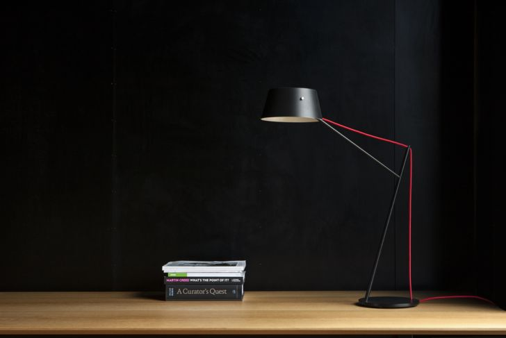 desk-lighting-ideas- cantilevered-spar-floor-light-office