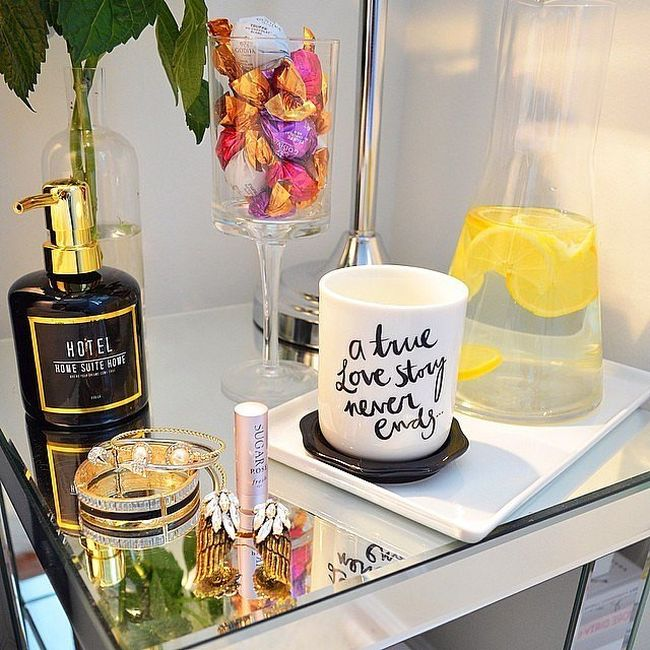 bedside-nightstands-decoration-ideas-Decorative Nightstand Accessories with Candle