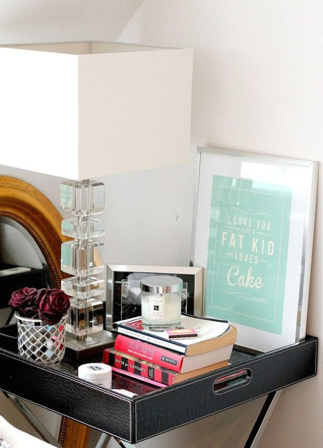 bedside-nightstands-decoration-ideas-Decorative Wall Art on Nightstand