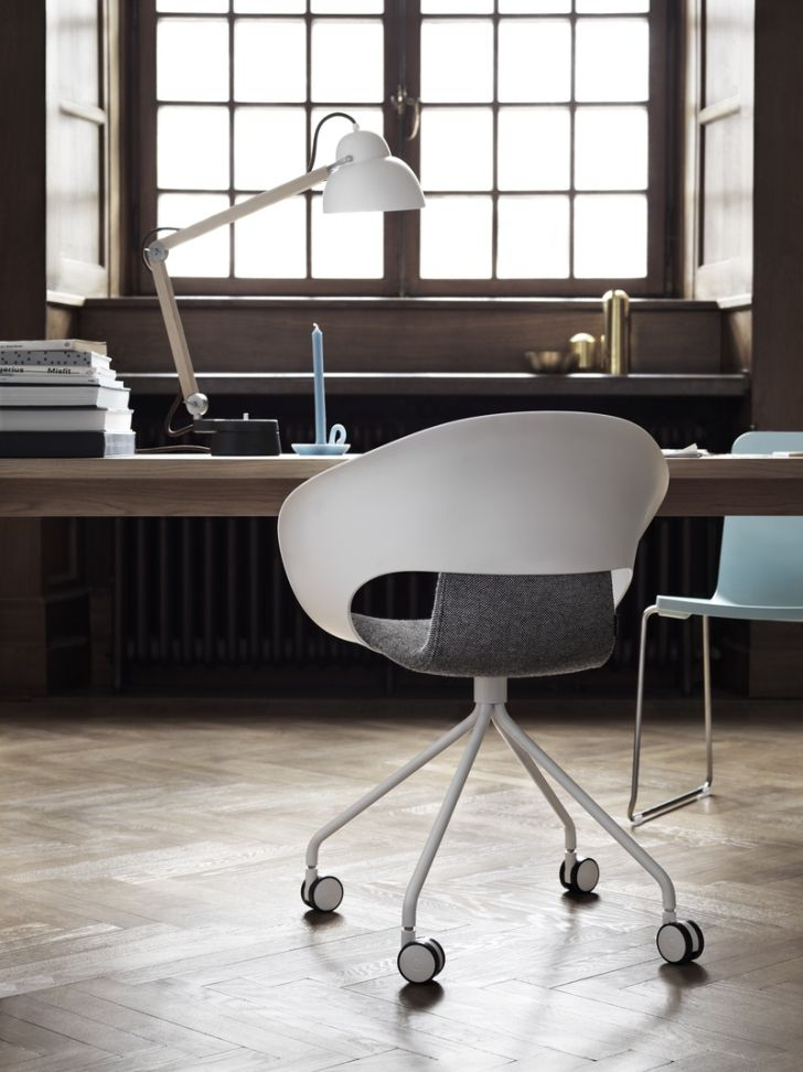 desk-lighting-ideas- studioilse-w084t2-with-sand-casted-iron-finished-office