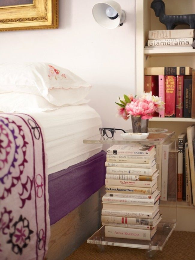 bedside-nightstands-decoration-ideas-Transparent Acrylic Nighstand as Books Storage