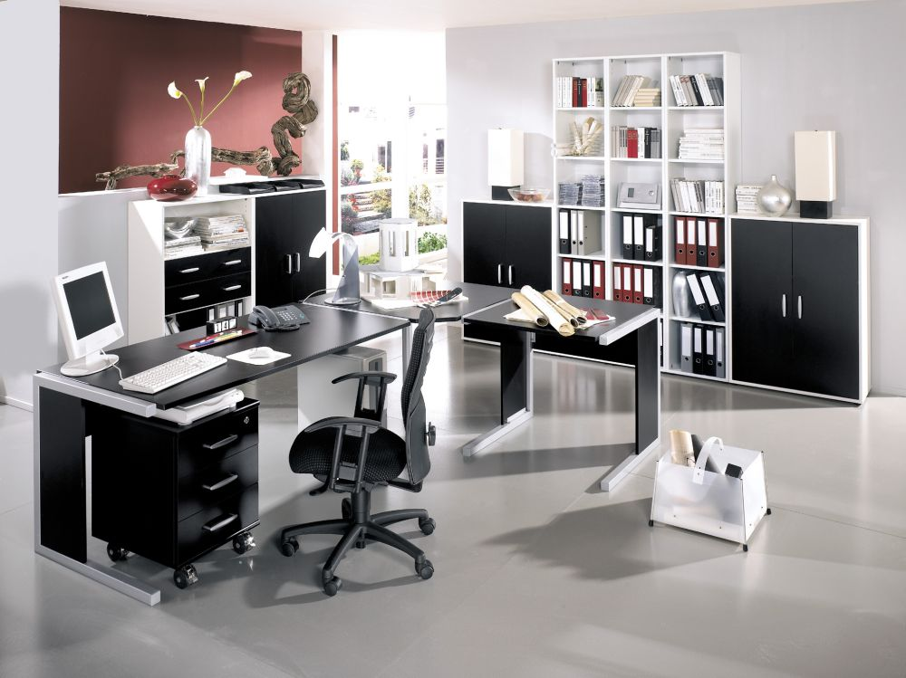 spacious office design with open concept and gives perfect touch of the quirky style