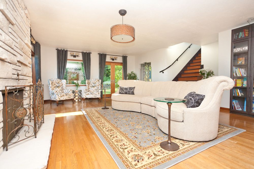 seamans furniture big white sofa seamans furniture offers marvelous home furnishing products