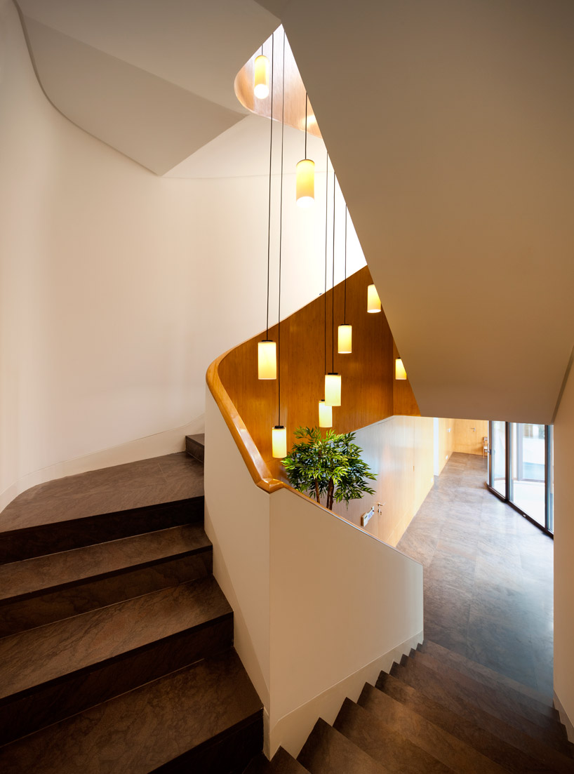 Captivating Stairwell Lighting For The
