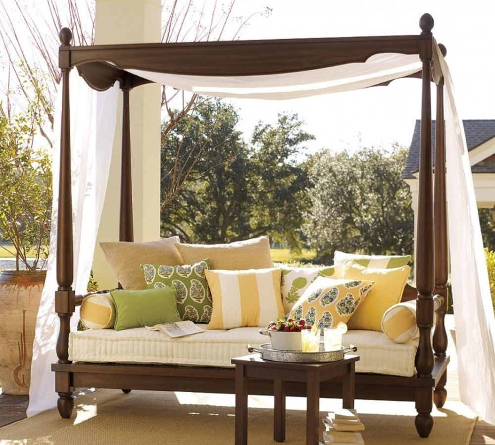 enchanting-canopy-bed-design-for-outdoor-with-classy-wooden-frame-design-outdoor-daybed-cushion-buying-guide