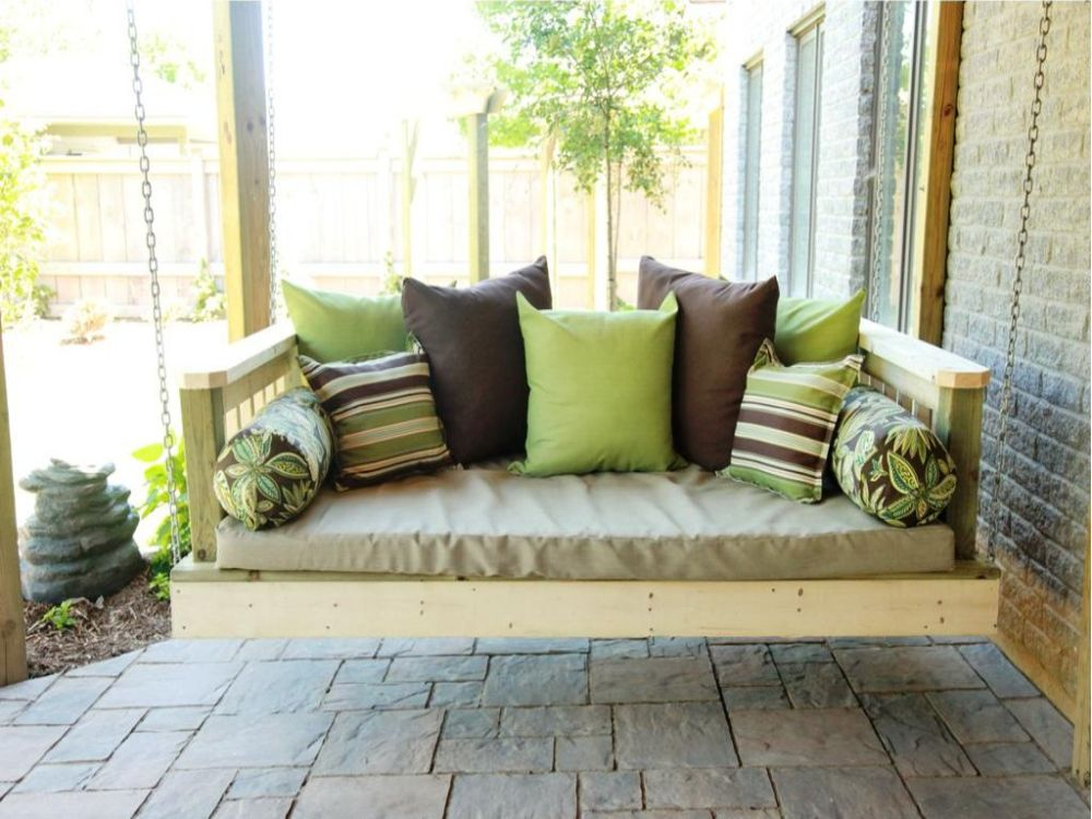 lawn-garden-daybed-porch-swing-plans-design-outdoor-daybed-cushion-buying-guide