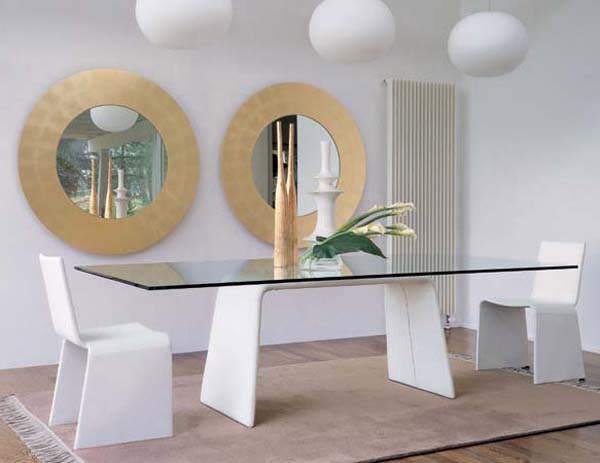 The Tavoli Dining Table