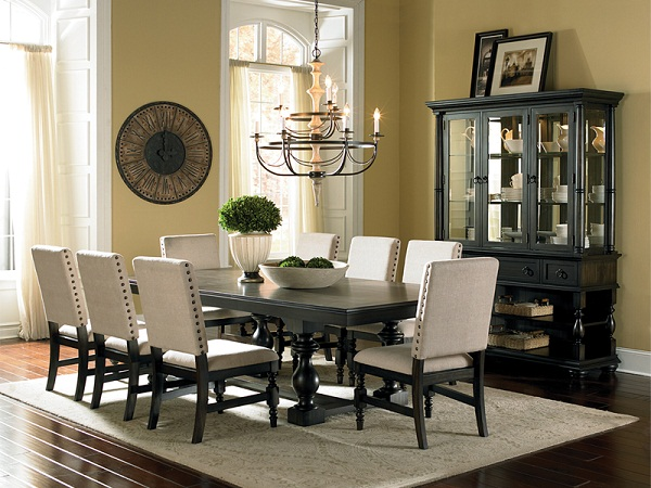 Freed's Furniture Dining Room