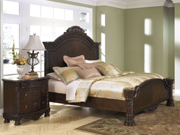North Shore Bedroom Set King Panel Bed