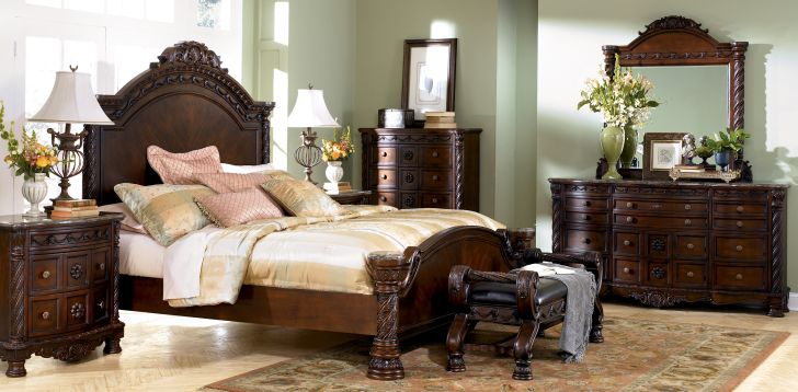 North Shore Bedroom Set King Sleigh