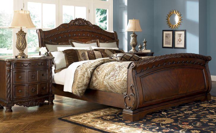 North Shore Bedroom Set King