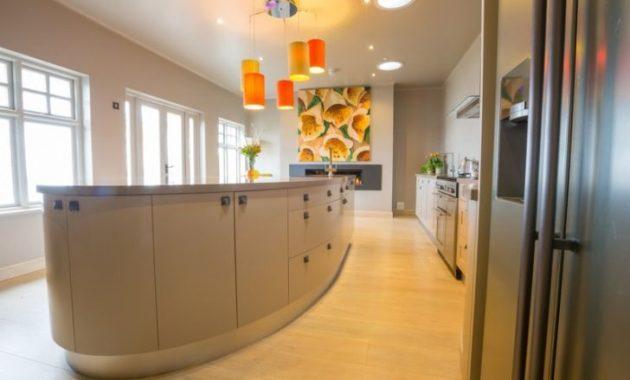 Bond Kitchen Side View