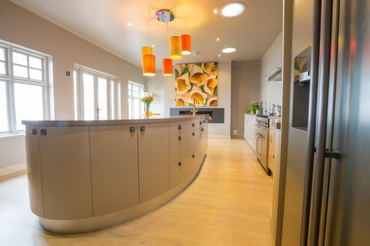 David Glover Furniture The Outlook Curved Bespoke Kitchen