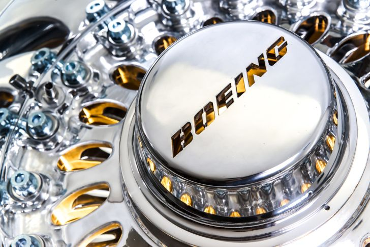 Boeing 777 Wheel Coffee Table Boeing Coffee Table Project with Silver and Gold Color Combination