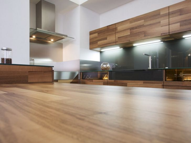 Design Kitchen Countertop Details with Stainless Blower and Oak Wooden Kitchen Cabinet