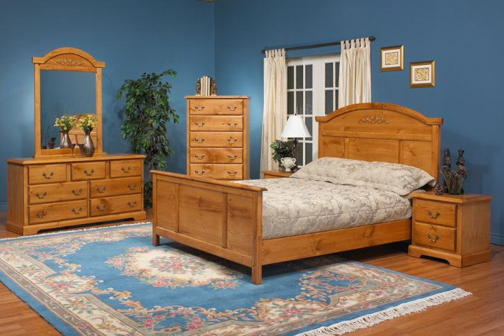 Pine Wood Furniture Pinewood Bedroom Furniture Sets Match with Hardwood Floor