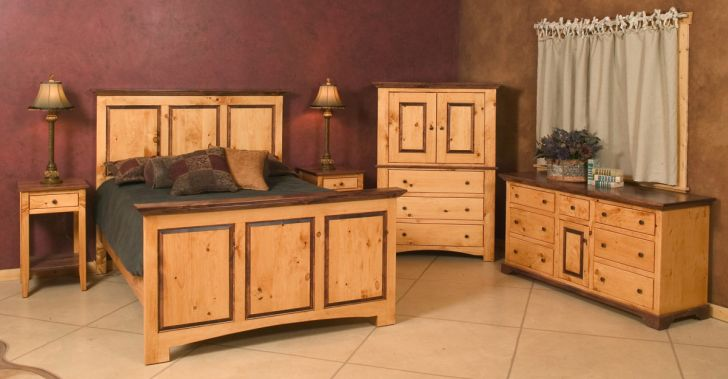 Pine Wood Furniture Rustic Pinewood  Furniture Bedroom Sets with Classic Wood Nightstand and Stainless Table Lamps
