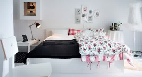 ikea-bedroom-design-ideas-ikea-bedroom-furniture-ideas-with-malm-bed-frame-decorative-wall-accessories-stainless-table-lamp