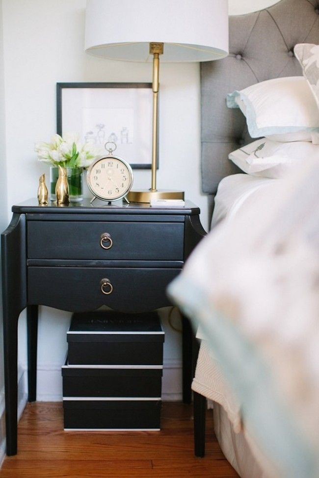 bedside-nightstands-decoration-ideas-Bedside Nightstand Woodworking Plans with Small Clock