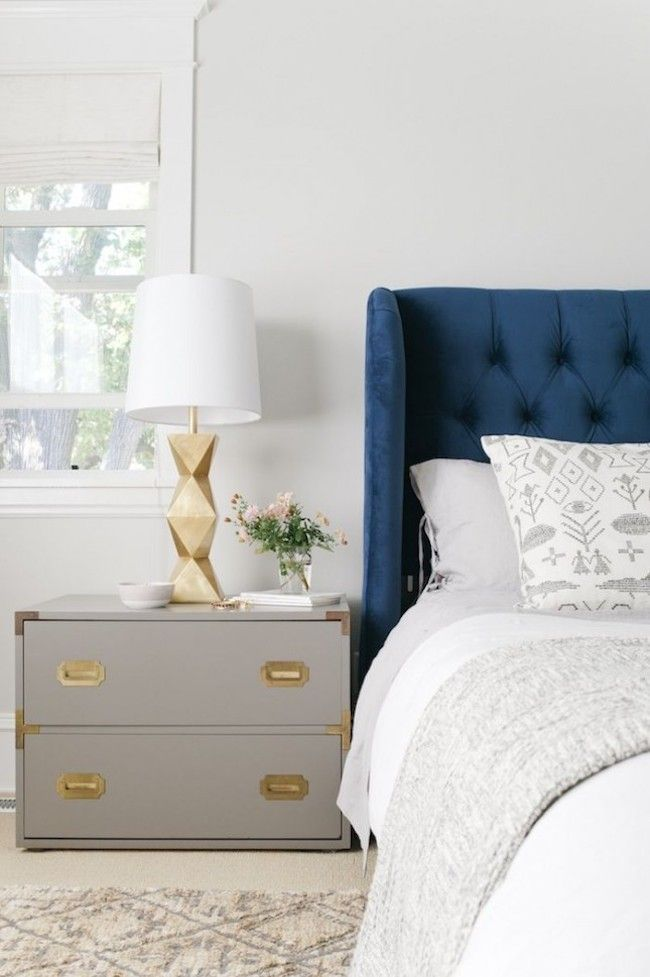 bedside-nightstands-decoration-ideas-Bedside Tables Nightstands with Small Flower Plant