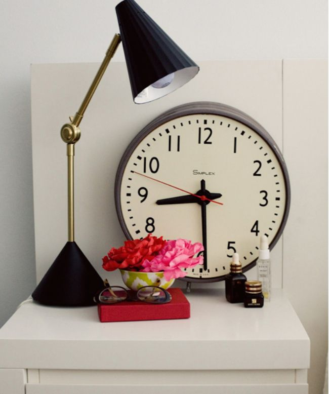 bedside-nightstands-decoration-ideas-Round Analog Clock on Nightstand with Table Lamp