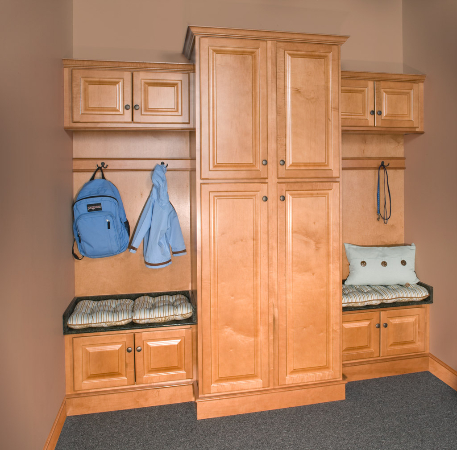 wolf-classic-cabinets--saginaw-in-honey-kitchen-cabinet