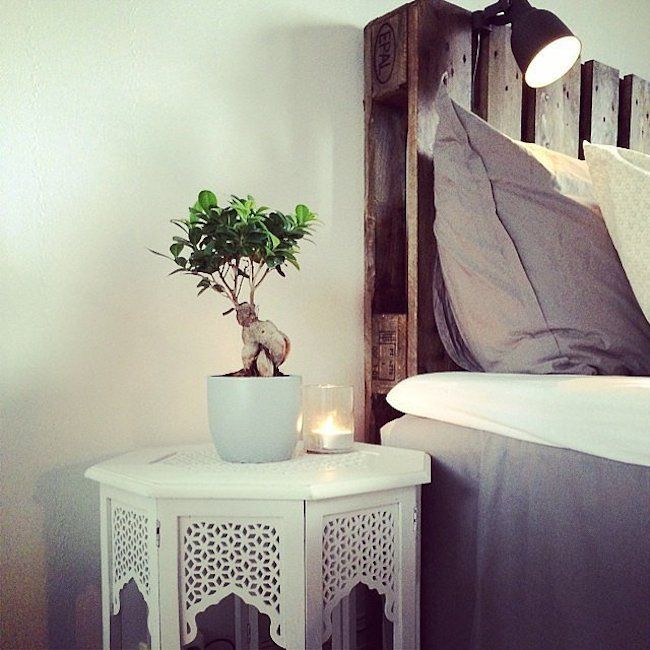 bedside-nightstands-decoration-ideas-White Wooden Nightstand with Small Candle