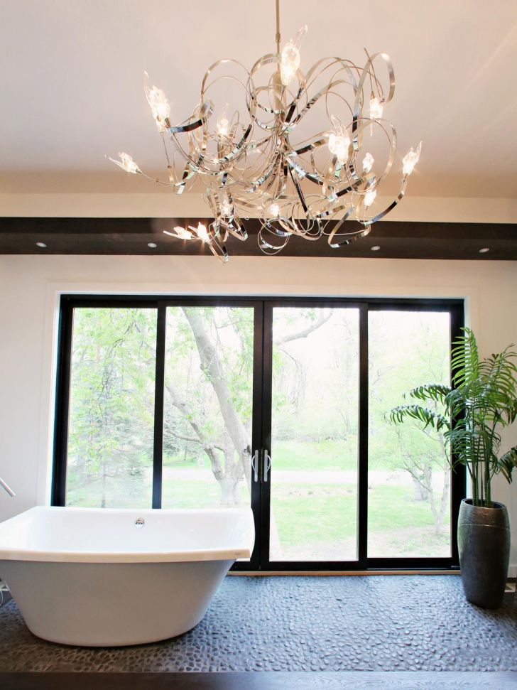 bathroom-chandelier-lighting-artistic-bathroom-chandelier-shape_in_stone-flooring_black-framed-dor_white-bathub