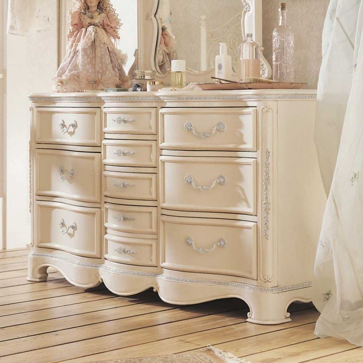 10 Drawer Dresser Jessica McClintock Romance by Lea Industries