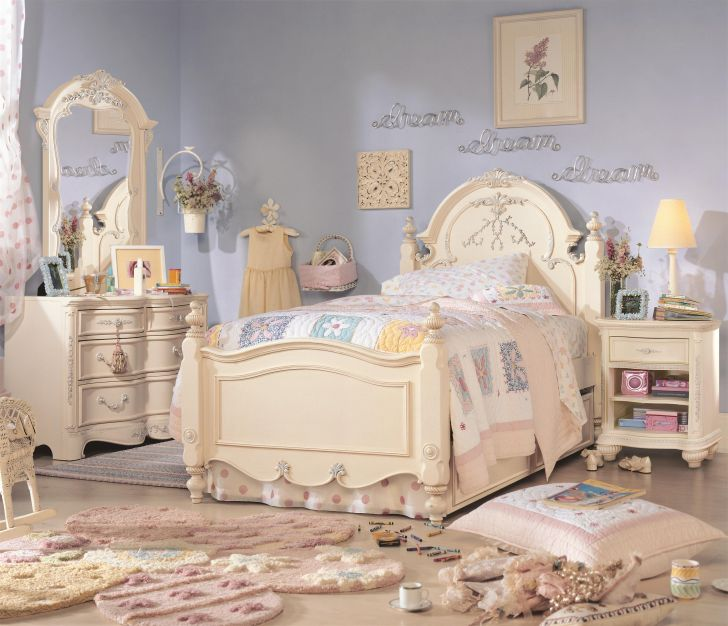Jessica Mcclintock Romance Bedroom Room Furniture by Lea Industries