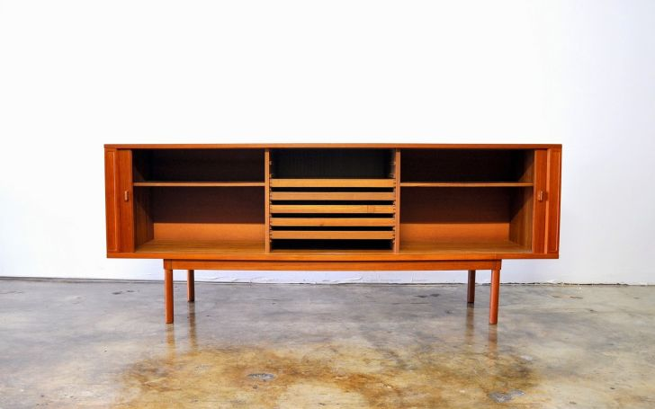 Mid Century Modern Media Console Modern Mid-Century Media Console Furniture with Solid Oak Wood for Living Room