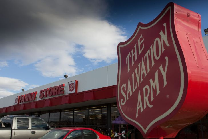 salvation army thrift store donation pick up service