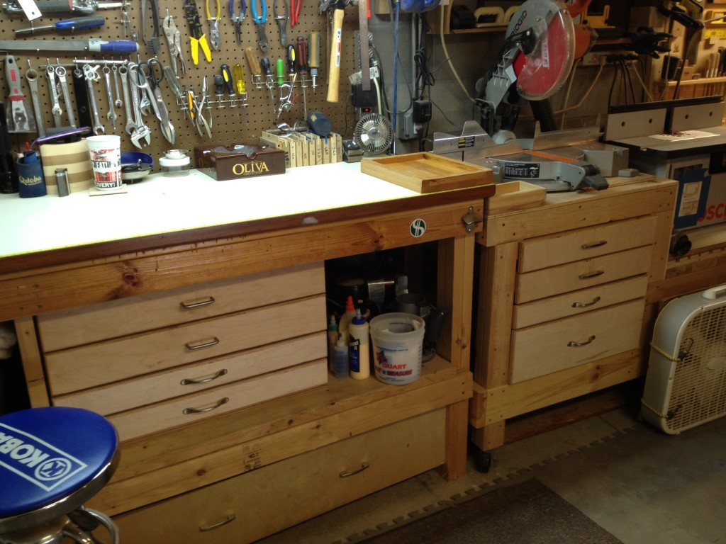 Designing a Workbench with Drawers by Craftsman