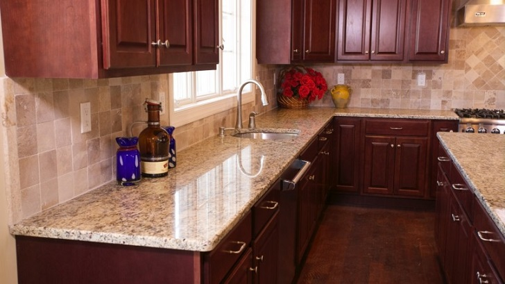 Wooden Kitchen Chery Cabinet with Giallo Ornamental Granite Counters with Square Tile Backsplash