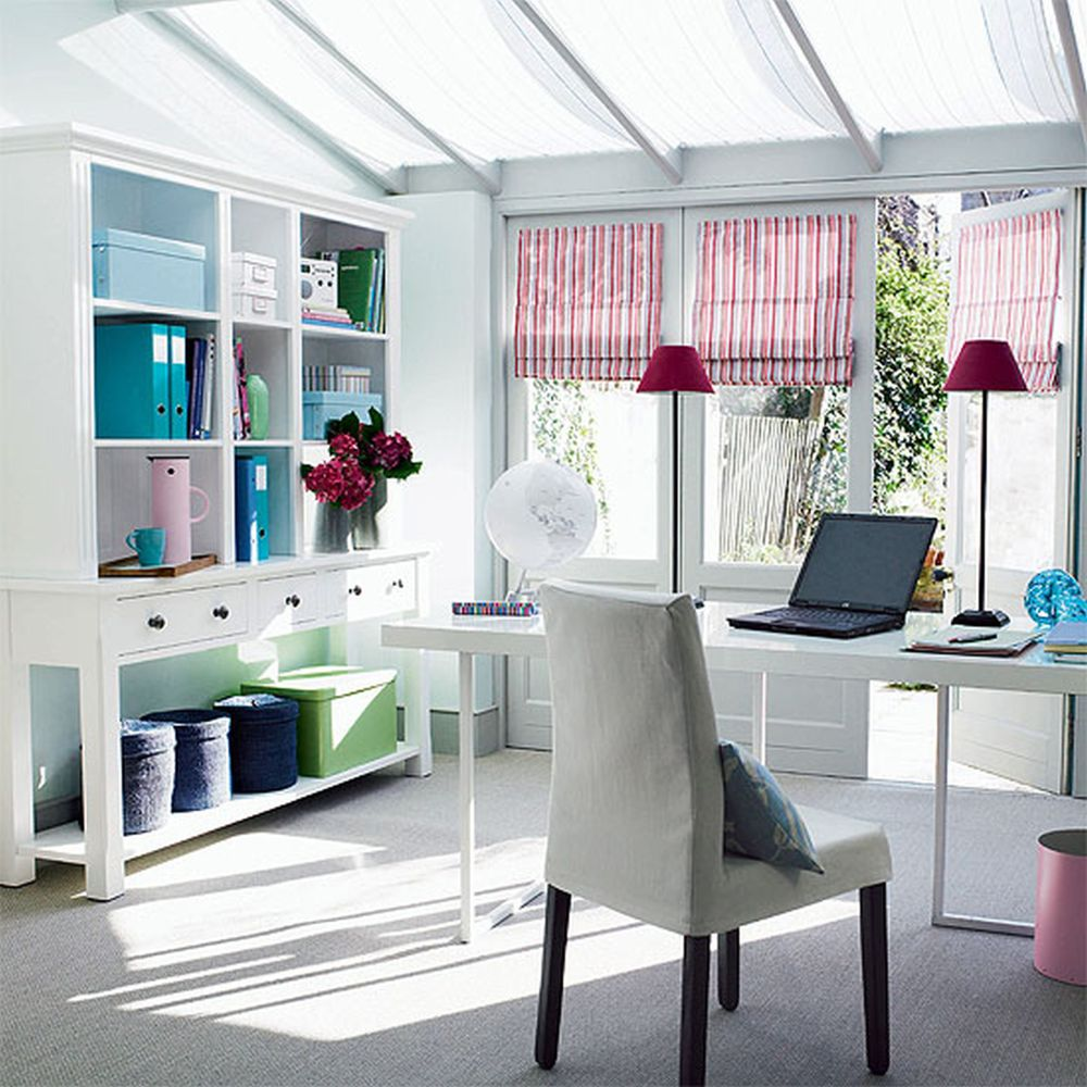 comfort white office with casual details and open concept on glass window