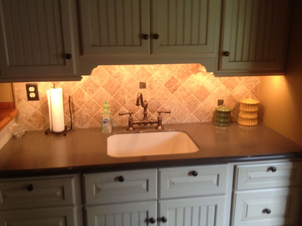 small farmhouse kitchen with simple sense and warm yellow cupboard lights cool under counter lights for spellbind kitchen décor