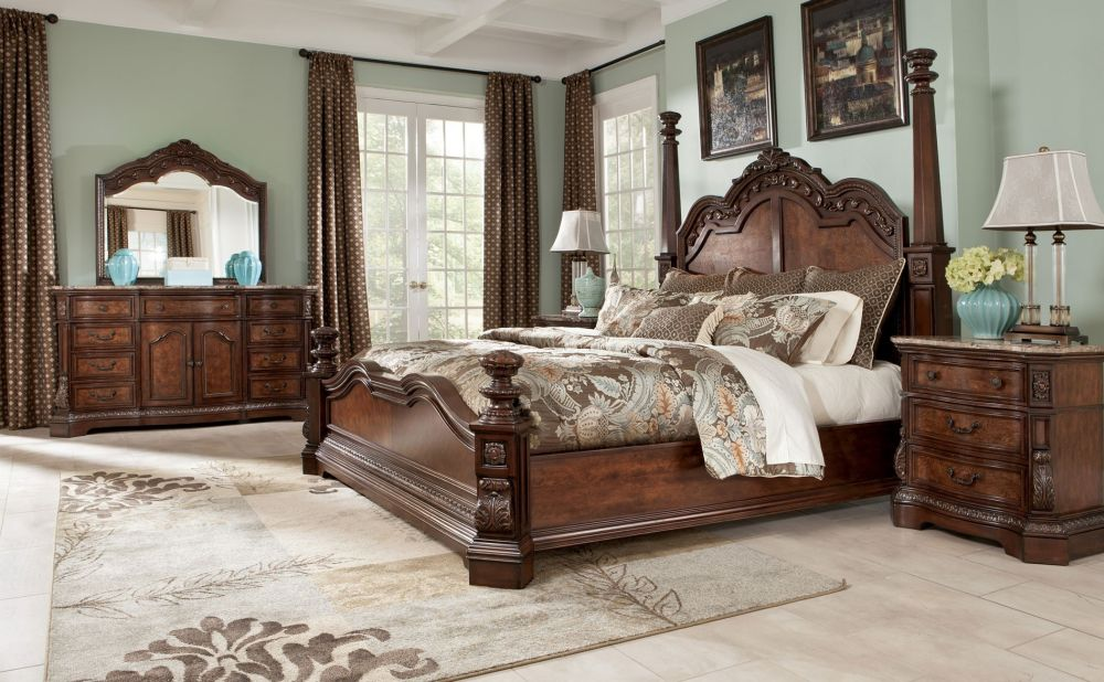 nice combination between vintage and classic bedroom ideas with vintage floral rug in faded style splendid and unique bedroom sets ideas