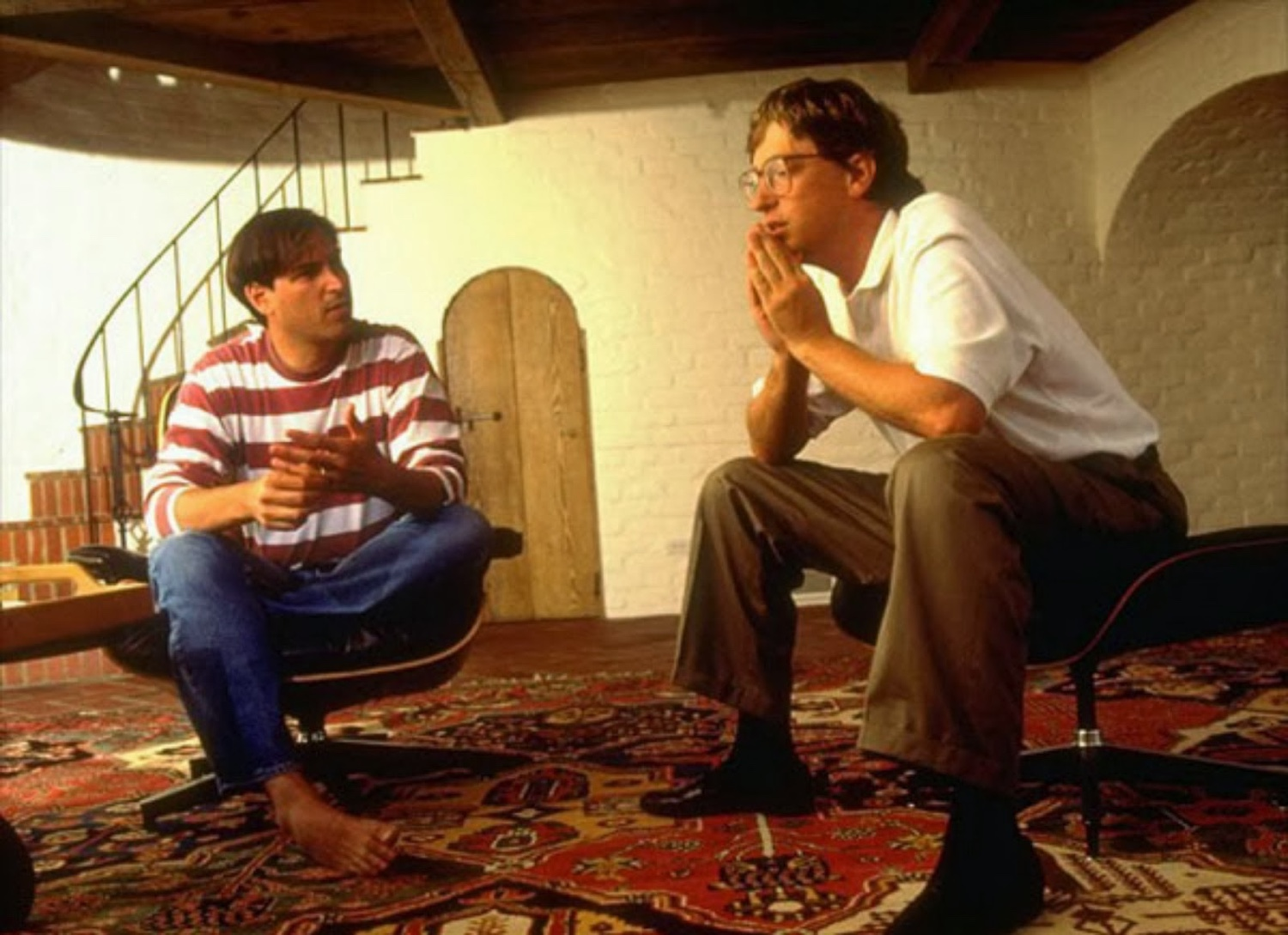 Steve Job and Bill Gates with the Eames lounge chair the classic design stories of the eames lounge chair and ottoman